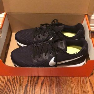 Black Nike running shoes brand new in box!